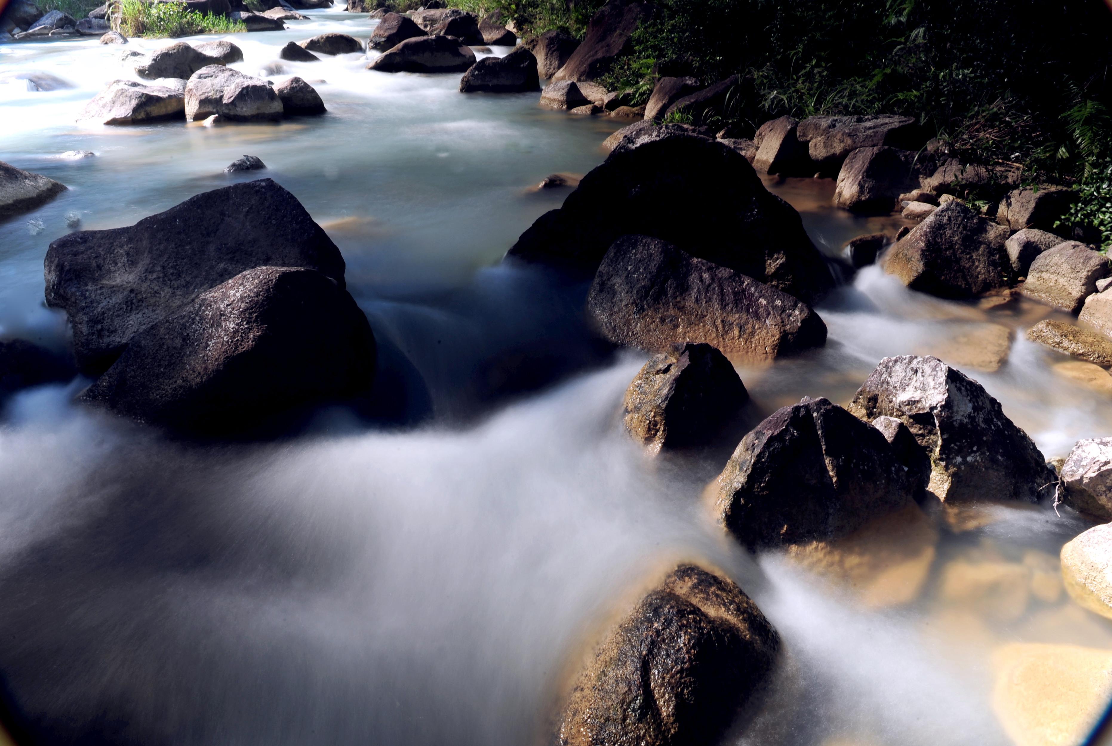 龙归寨瀑布旅游风景区